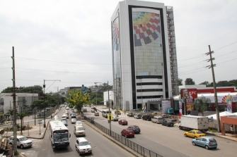 Un edificio recientemente inaugurado que forma parte del ornato de la ciudad.